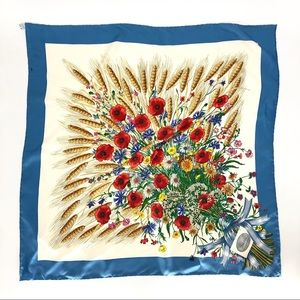 Gucci Vittorio Accornero Silk  Wheat Scarf Flora